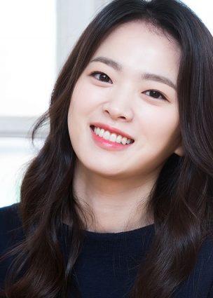 """الممثلة Chun Woo Hee في محادثات لبطولة دراما جديدة لصالح مخرج فيلم """"Twenty"""""""