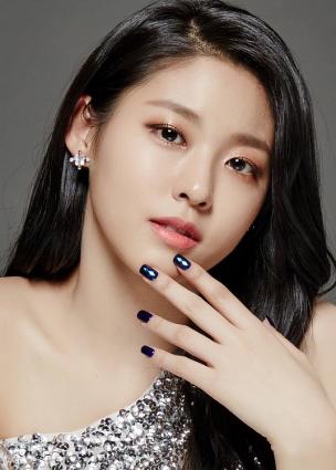 """Seolhyun في محادثات للانضمام إلى دراما JTBC القادمة """"My Country"""""""