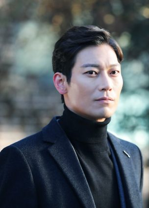 كشف Park Hoon أن اسمه الفني هو إسم أخيه الذي انتحر